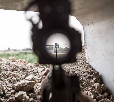 Photo: Peshmerga with m16A2 and Acog Targets Isis Flag